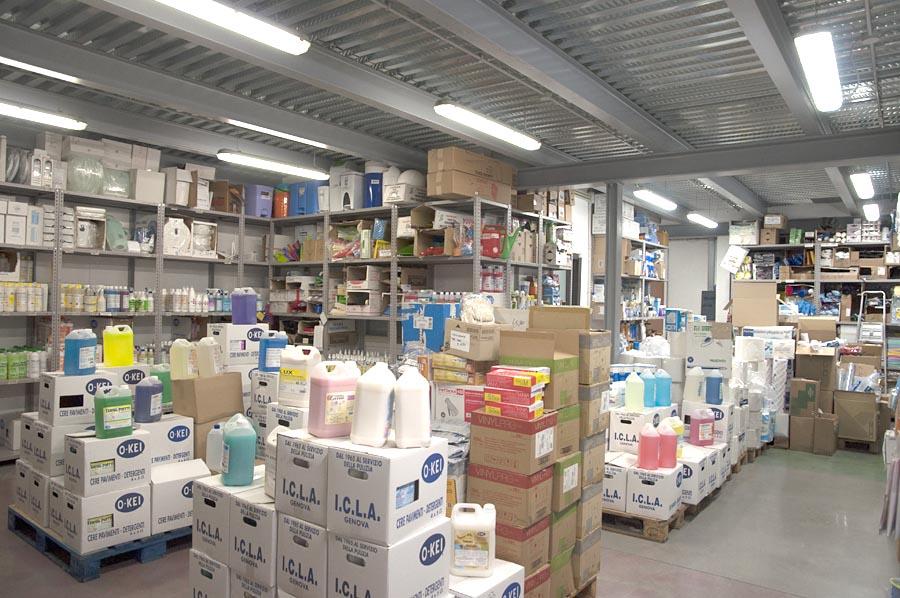 Laboratorio produzione ICLA detergenti professionali, saponi, cere per pavimenti